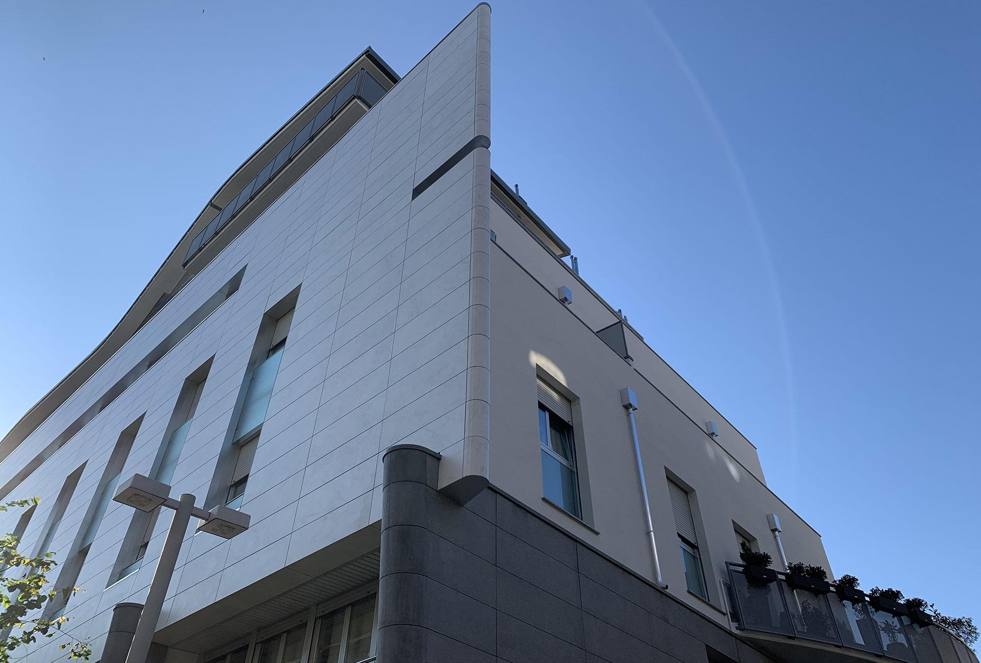 Condominio in Via Paglia a Bergamo, riqualificazione energetica. Dettagli facciata